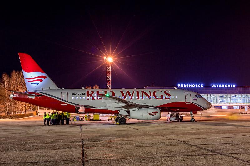 redwings-00.jpg