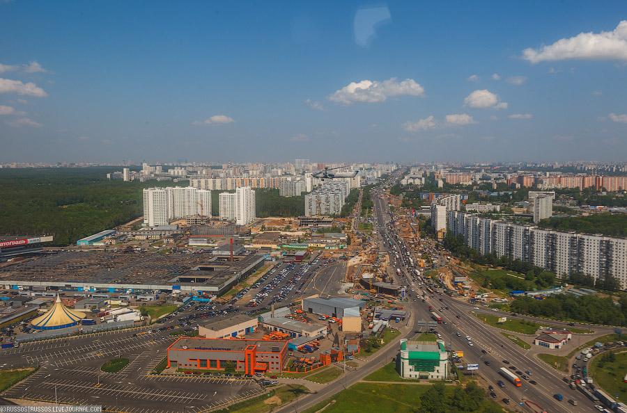 Вертолеты КБ Миля над Москвой