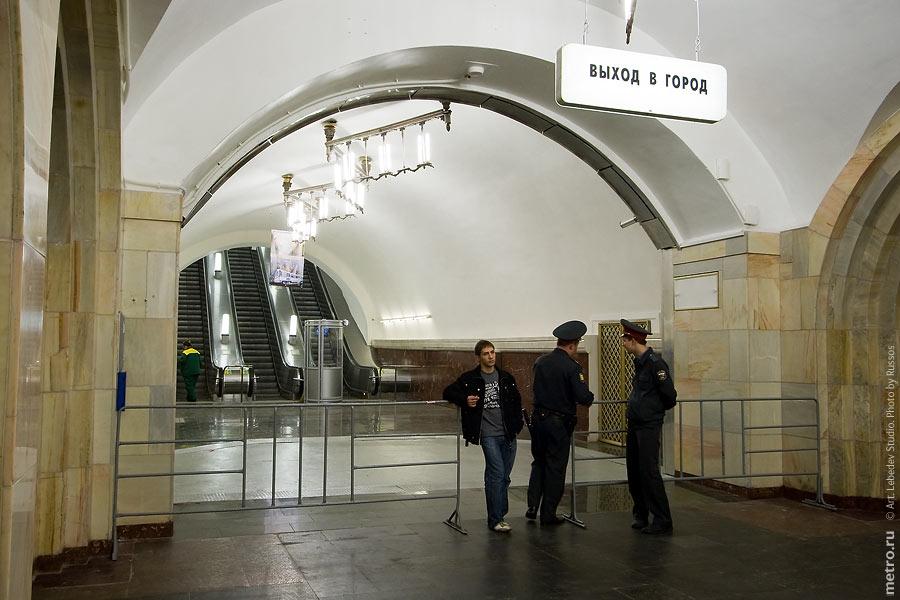 http://russos.without.ru/img/metro/dobrininskaya-kocl/dobrininskaya-kocl-62.jpg