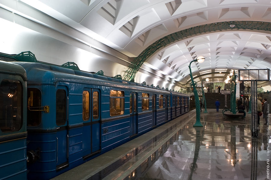 http://russos.without.ru/img/metro/slavbulvr/slavbulvr-08.jpg