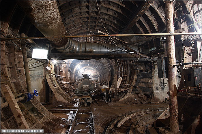 (c) www.metro.ru, Russos, 2007
