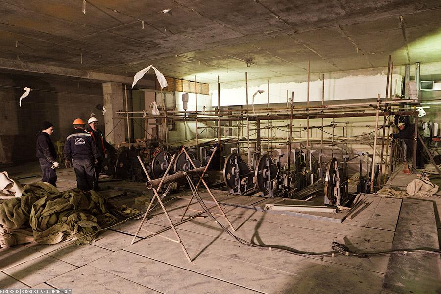 (c) www.metro.ru, Russos, 2011