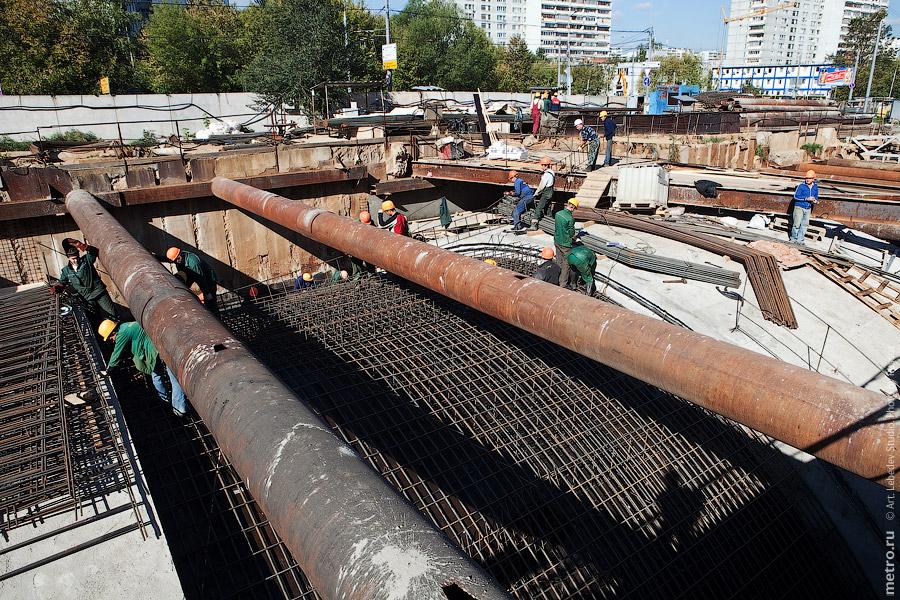 (c) www.metro.ru, Russos, 2010