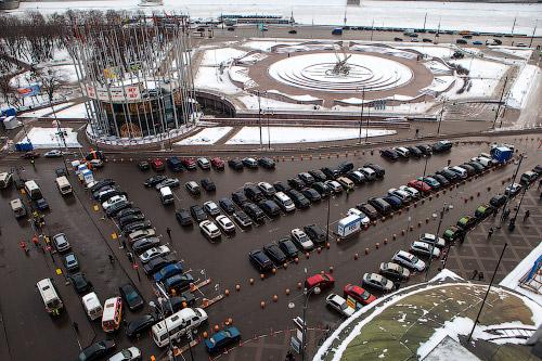 Две парковки, остановка для