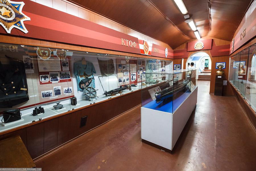 мемориальная подводная лодка с 56