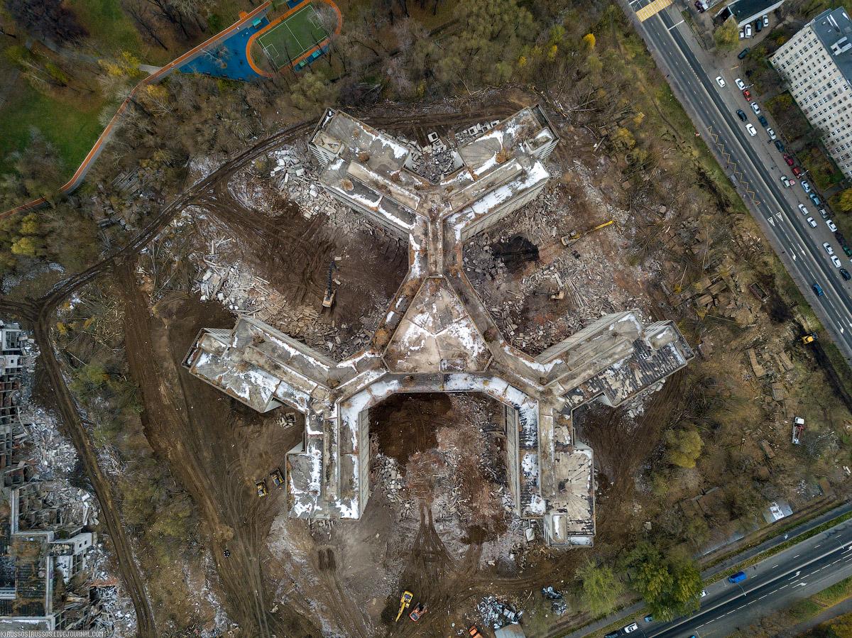 Снос Ховринской больницы водой, время, почти, эксплуатации, стояла, построенной, теплого, откачки, могло, случится, угодно, зданием, больница, контура, ничего, местности, целые, учетом, подвалов, проект