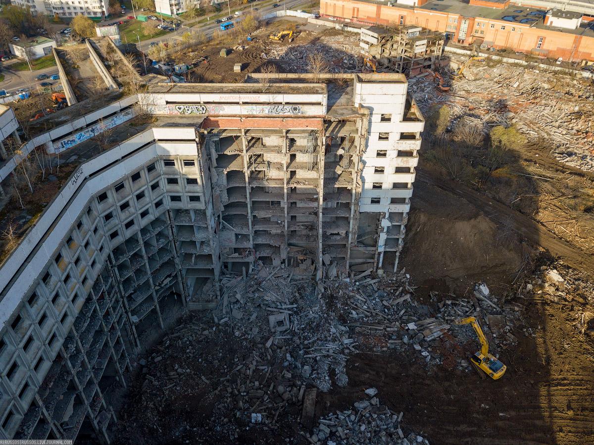 Гнездо «Экскаваторов-разрушителей» корпус, будут, Офтальмологический, больницы, здание, Справа, насыпали, площадку, нашему, никогда, работало, Кромсают, Верхние, «похудели», монстру, удобнее, основные, конструкции, Вернее, больницей