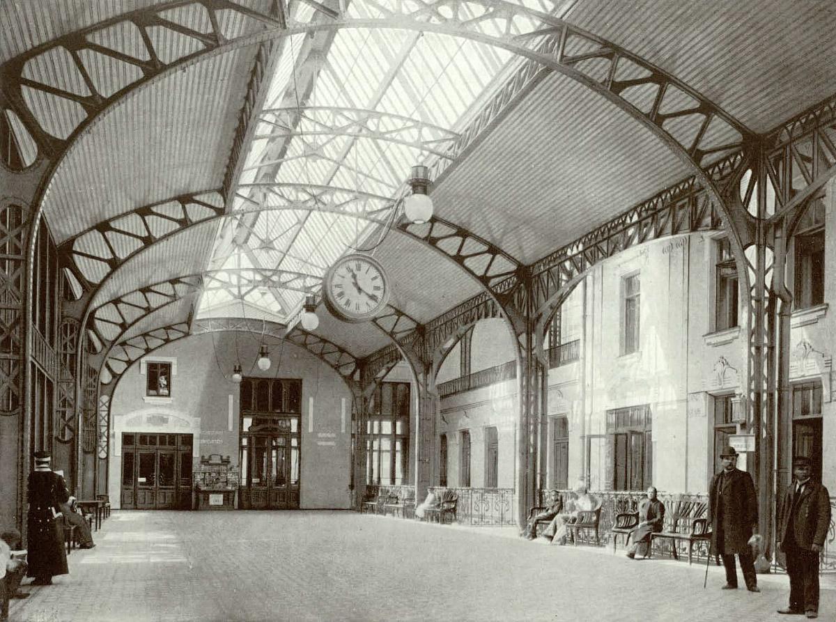 Старое здание Витебского Вокзала